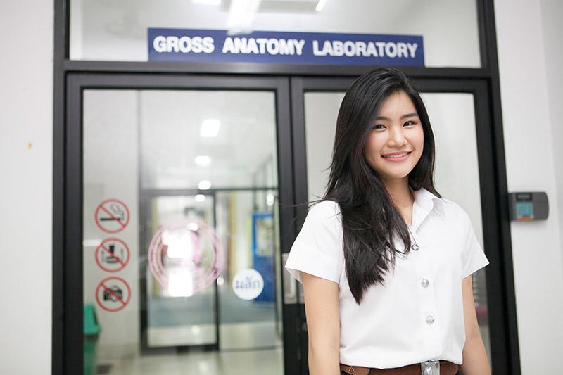 คณะแพทยศาสตร์ จุฬาลงกรณ์มหาวิทยาลัย จุฬาฯ นักร้อง ว่าที่คุณหมอ สาวน่ารัก
