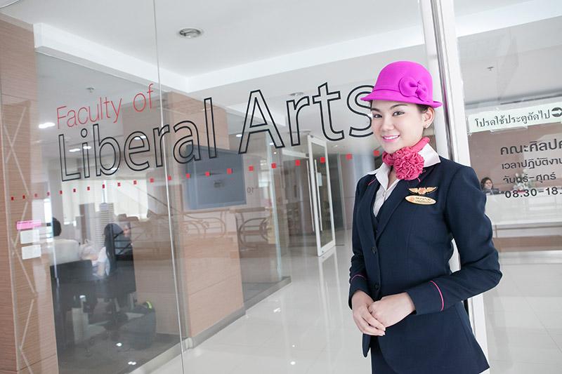 spu คณะศิลปศาสตร์ ธุรกิจการบิน ม.ศรีปทุม สาขาธุรกิจการบิน สาวน่ารัก หลักสูตรนานาชาติ