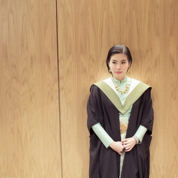 แพทย์หญิงสวมชุดไทย รับปริญญาที่ University of Edinburgh (6)