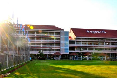 โรงเรียนนวมินทราชินูทิศ สวนกุหลาบวิทยาลัย ปทุมธานี