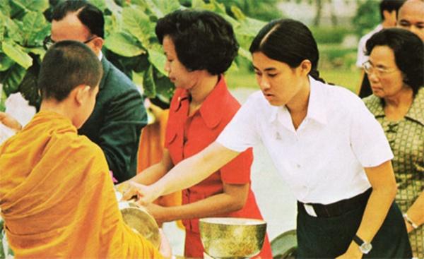 รวมภาพ พระเทพฯ เมื่อครั้งทรงศีกษาในมหาลัยไทย (7)
