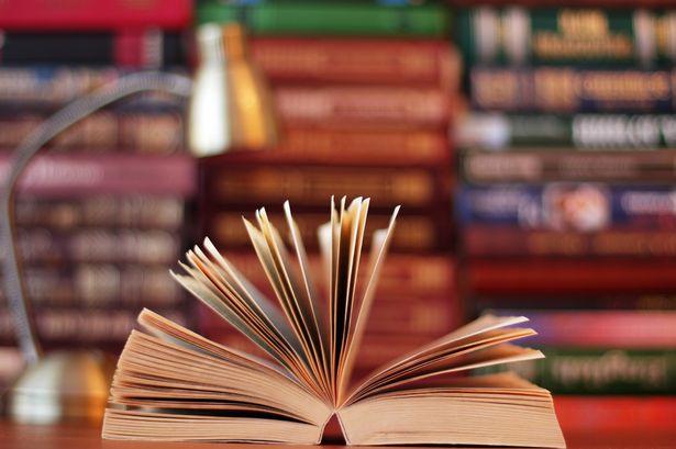 อ่านหนังสือสอบนักศึกษาแพท