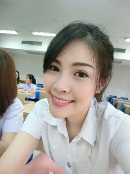 น้องไดร์ จิณณ์ณิตา Miss Thailand World 2016 ในลุคนักศึกษา (11)