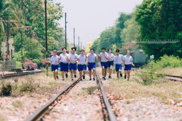 เป็นการถ่ายรูปจบที่แซ่บมาก! ภาพจากน้องๆ โรงเรียนสารสิทธิ์พิทยาลัย (13)