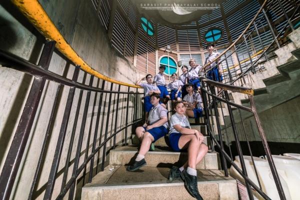 เป็นการถ่ายรูปจบที่แซ่บมาก! ภาพจากน้องๆ โรงเรียนสารสิทธิ์พิทยาลัย (9)