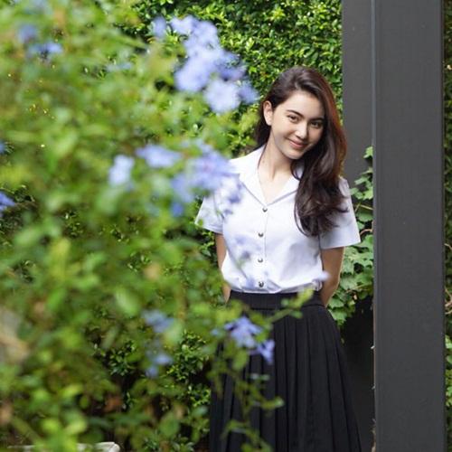 ใหม่ ดาวิกา ในลุคนักศึกษาวันไปเรียน ดาราสาวสวยจากรั้ว ม (12)