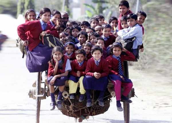 17 ภาพที่จะทำให้รู้สึกว่า การเดินทางไปโรงเรียนทำไมช่างยากลำบาก (6)