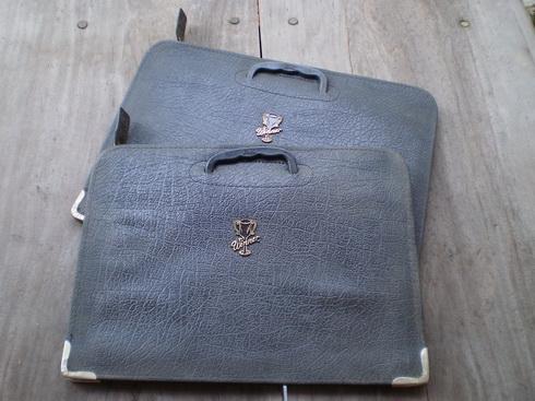 ของใช้วัยเด็กในตำนาน - กระเป๋าหนังนักเรียนในอดีต