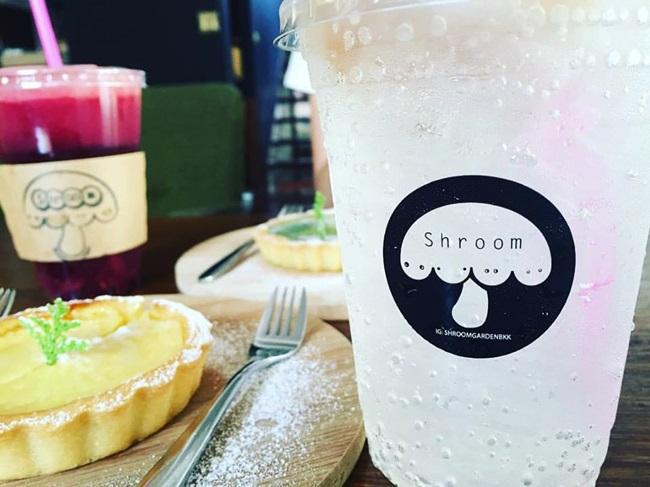 ร้านกาแฟ SHROOM GARDEN บรรยากาศสวนร่มรื่นในซอยสุขุมวิท 31