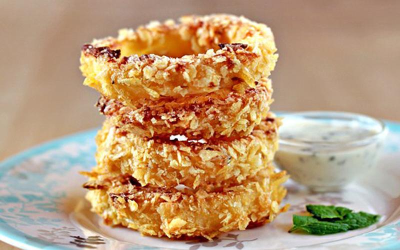 Onion Rings มันฝรั่ง หัวหอม หัวหอมอบคลุกเกล็ดมันฝรั่งกรอบ เมนูเด็กหอ