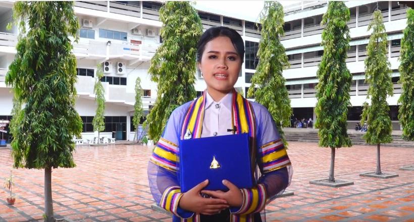 บัณฑิต บัณฑิตเกียรตินิยม พิธีพระราชทานปริญญาบัตร มหาวิทยาลัย