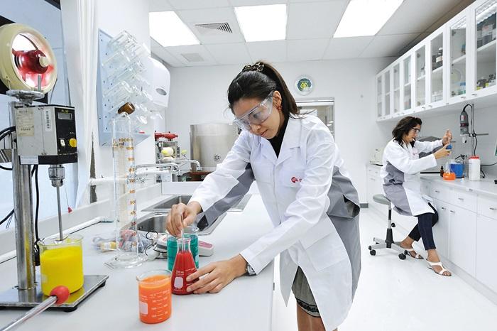 อันดับ 4 สาขาวิชาเคมีและวิศวกรรมพลังงาน (Chemical, Process and Energy Engineering)