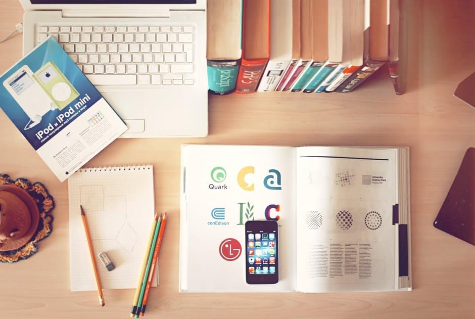 5 เคล็ดลับ การจัดโต๊ะอ่านหนังสือ ให้มีสมาธิการอ่านมากที่สุด