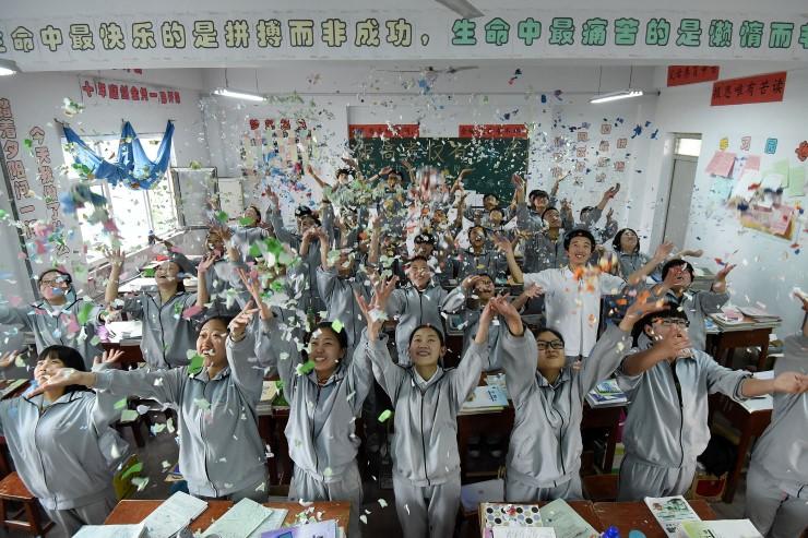 จีนหนุนให้โรงเรียน หาวิธีคลายเครียดนักเรียน