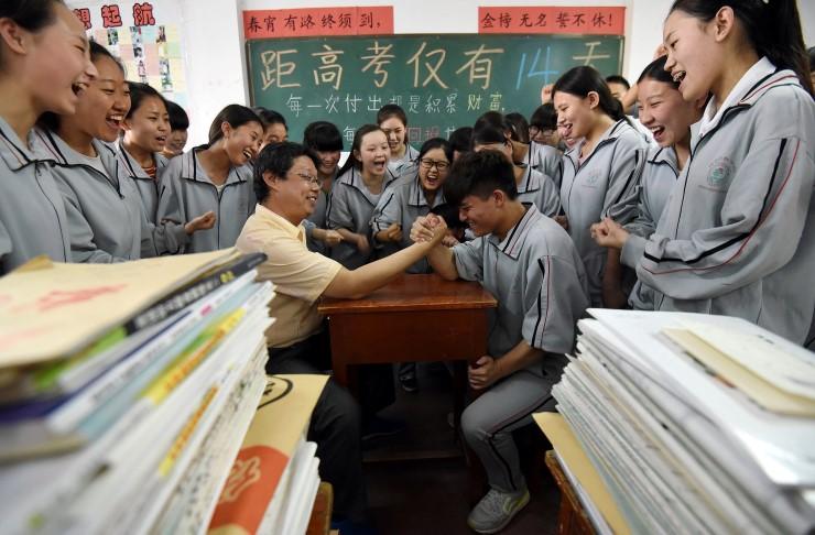 การสอบเข้ามหาวิทยาลัย นักเรียน ประเทศจีน โรงเรียนจีน