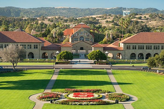 อันดับ 4 Stanford University, California, USA