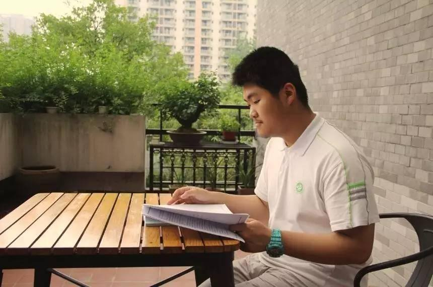 เด็กนักเรียน ม.6 ประเทศจีน แต่งตำราเรียนวิชาเลขด้วยตัวเอง