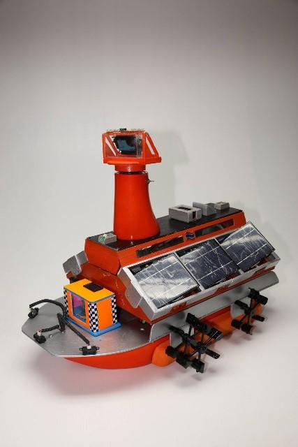 นร. สวนกุหลาบวิทยาลัยนนทบุรี คว้าแชมป์แข่งขันหุ่นยนต์