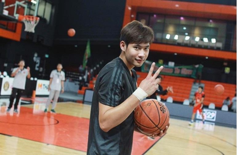 MONO Vampire ต้น นราธิป ทีมชาติไทย นักกีฬา นักบาสเกตบอล โมโน แวมไพร์