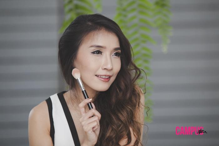 issue49 National Makeup Award คิตตี้-พรสิริ วิลเลี่ยมส์ ลอนดอนแฟชั่นวีค เมคอัพอาร์ติสท์คนไทย