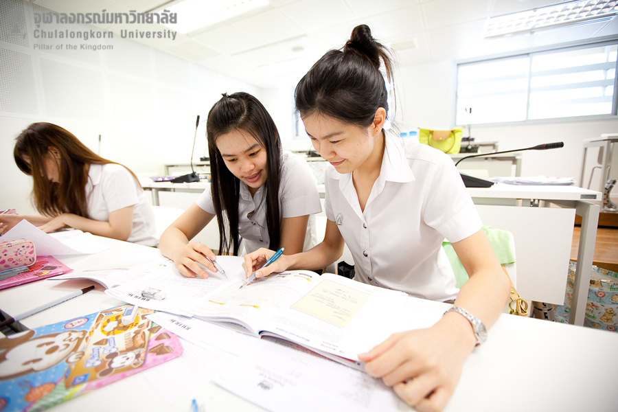 โครงการให้โควตาแก่นักเรียนโรงเรียนสาธิตจุฬาฯ ฝ่ายมัธยม