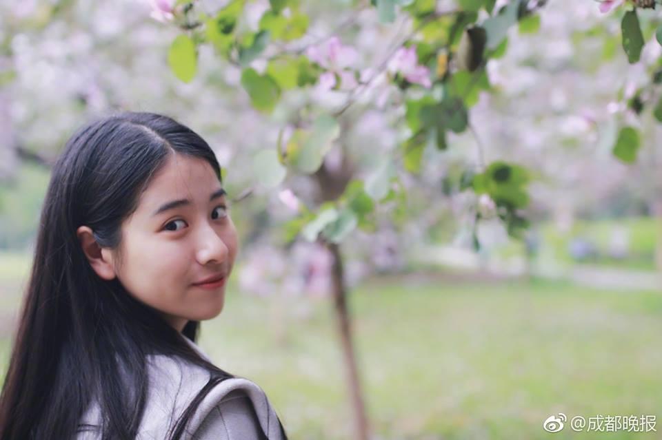 หลี่ชิวถง สาวจีนสายอาร์ต