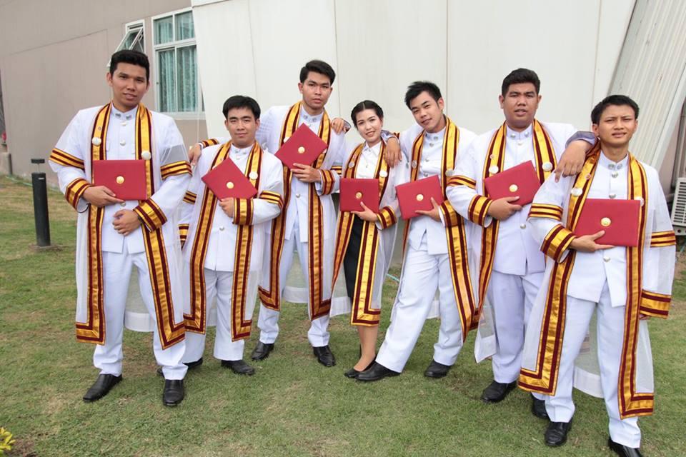 นักศึกษาอาชีวะ บัณฑิตอาชีวะ พิธีพระราชทานปริญญาบัตร อาชีวศึกษา