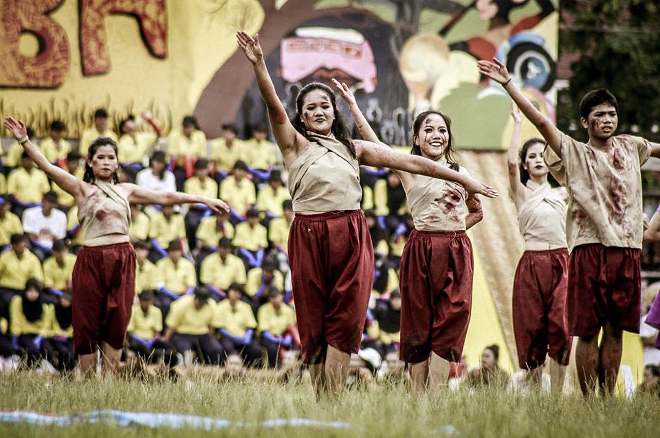หลีดสีม่วง โรงเรียนนราธิวาส ''หงสบาท อโยธยา'