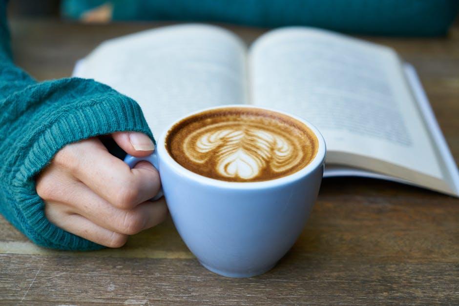 ง่วงนอน อ่านหนังสือ อาหารที่ไม่ควรกิน เคล็ดลับการเรียน