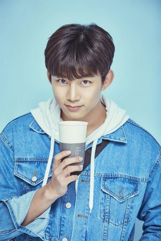 อก แท็ก-ย็อน (Ok Taec-yeon) วง 2pm