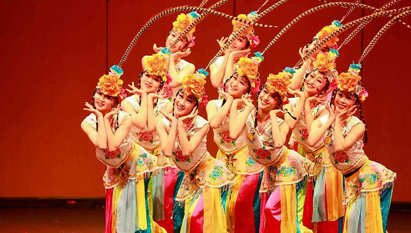 การแสดง มศว ศิลปวัฒนธรรม ไทยจัน