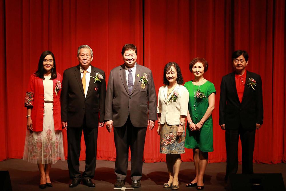 คณะผู้บริหาร มศว และศูนย์วัฒนธรรมจีนในไทย