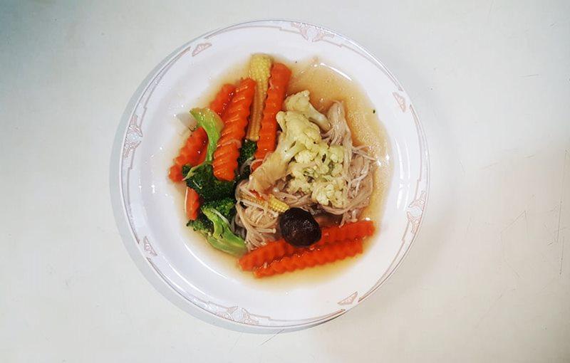 เมนูผัดผักในหม้อหุงข้าว