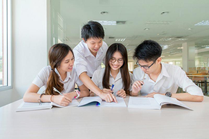 คณะน่าเรียน คณะมนุษยศาสตร์ คณะศิลปศาสตร์ คณะอักษรศาสตร์ มหาวิทยาลัย สาขาน่าเรียน