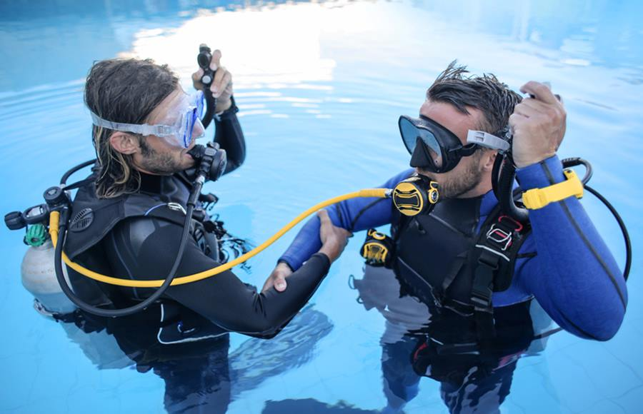 Scuba Diving นักดำน้ำ นักรบรีคอน หน่วยซีล หลักสูตรการเรียนการสอน อาสากู้ภัยทางน้ำ