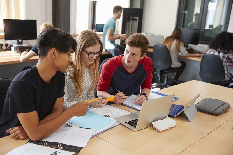10 มหาวิทยาลัยใน UK ที่น้อง ๆ สามารถเข้าเรียนต่อได้ ถึงแม้คะแนน UCAS จะสูงมาก