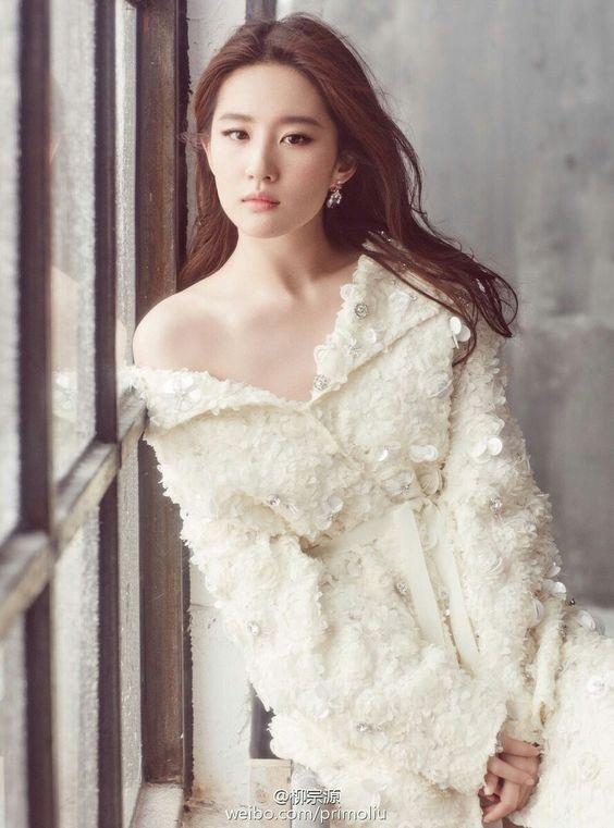 หลิวอี้เฟย (Liu Yifei)