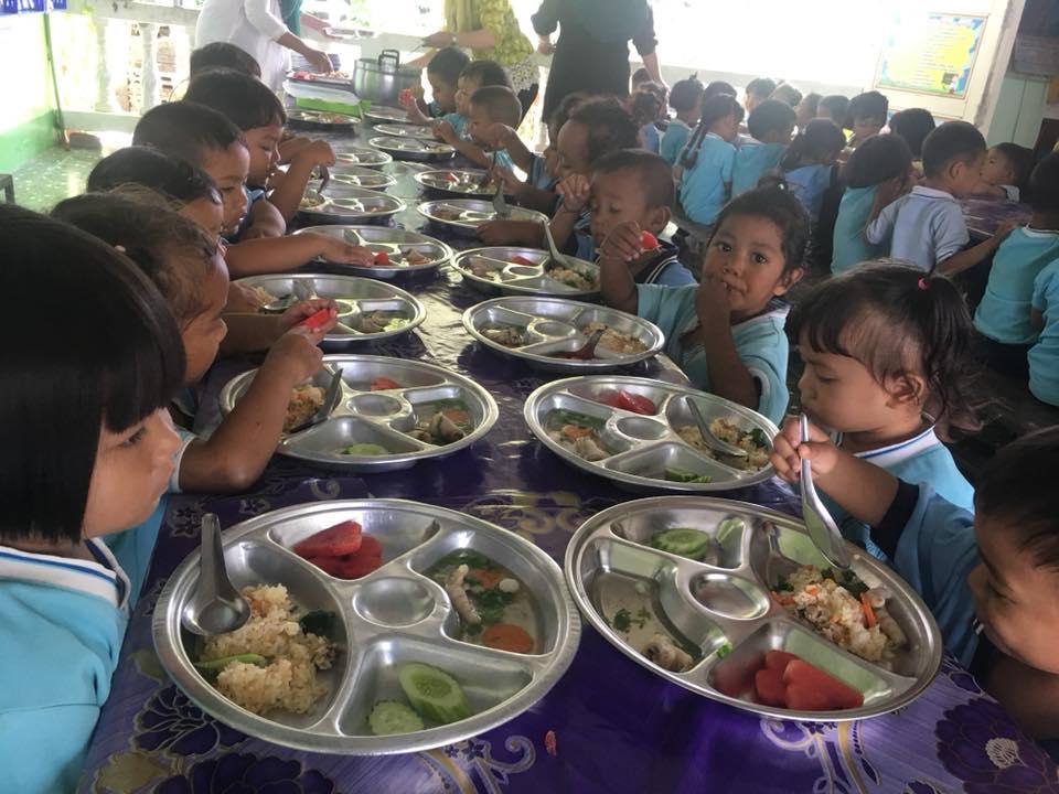 อาหารกลางวัน ศูนย์พัฒนาเด็กเล็กฯ จ.สตูล