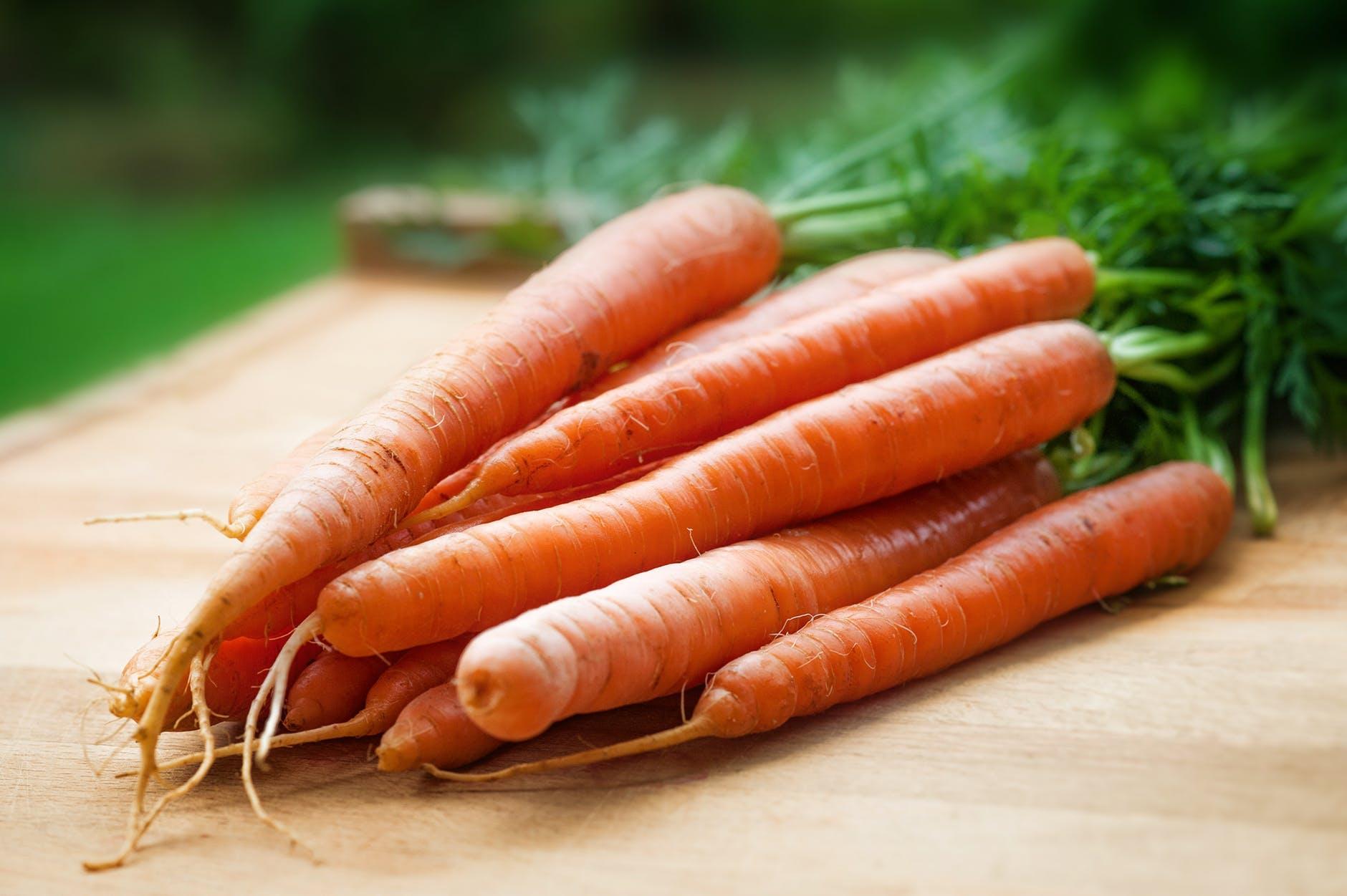 Carrot = แครอท