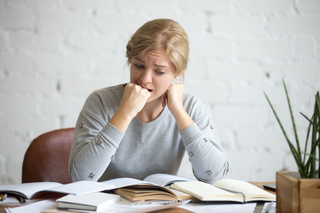 ตกงาน จะทำยังไงดี ? วิธีรับมือกับความเครียด เมื่อถูกให้ออกจากงาน