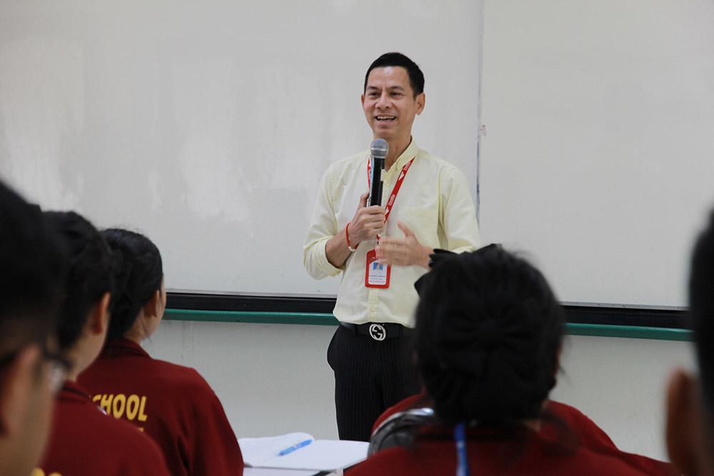 ภาพการติวเข้มกับผู้เชี่ยวชาญจากไปรษณีย์ทั่วไทย