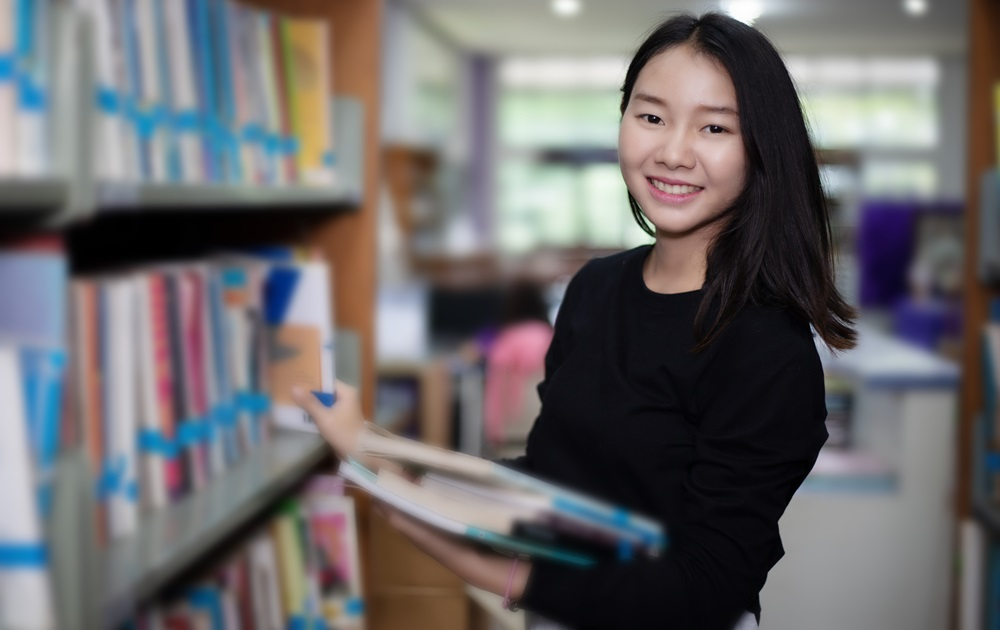 นักศึกษาจีน นักศึกษาต่างชาติ ประเทศจีน หลักสูตรบริหารธุรกิจ หลักสูตรพยาบาลศาสตร์ หลักสูตรภาษาไทย โครงการแลกเปลี่ยน