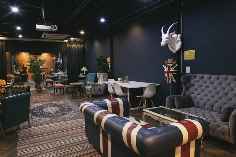 Slot Co-Working Space& Cafe