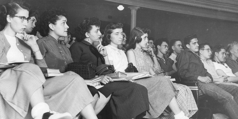 ปี 1952