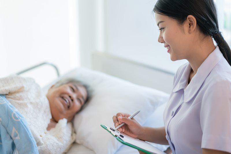 8 หลักสูตรการพยาบาลเฉพาะทาง คณะพยาบาลศาสตร์