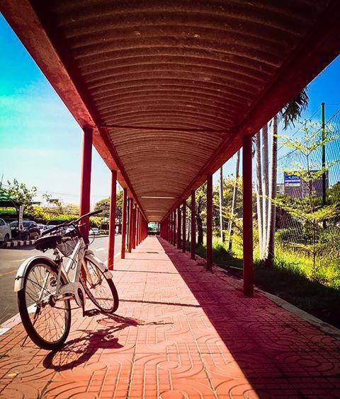 ซุ้มทางเดินระหว่างอาคารเรียน