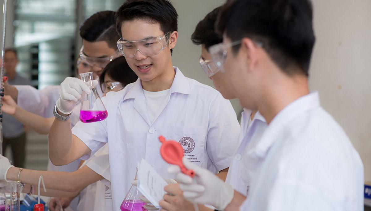 คณะวิศวกรรมศาสตร์ ม.ธรรมศาสตร์ วิศวะ สารเคมี หลักสูตรวิศวกรรมเคมี